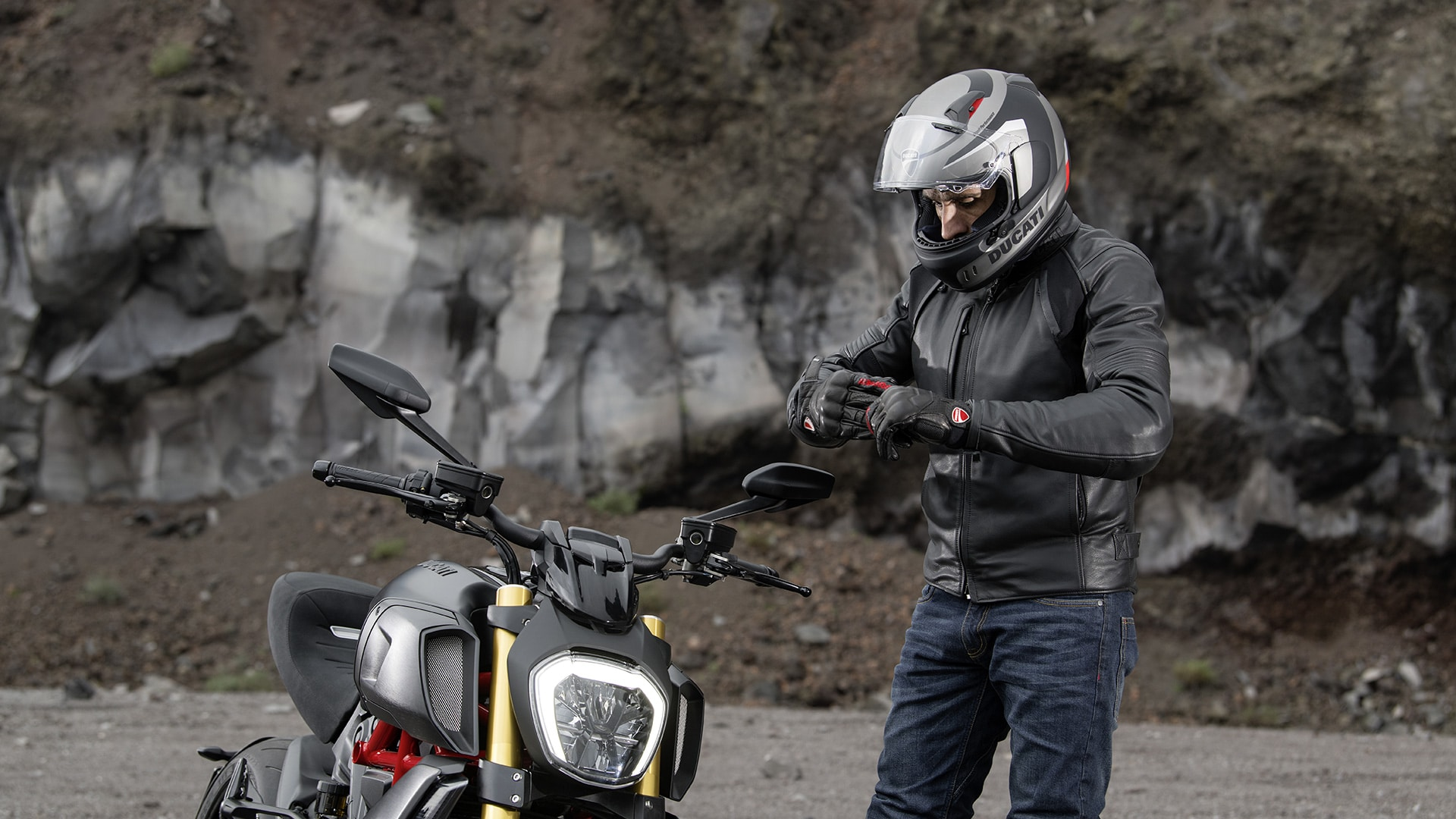 Diavel 1260 S apparel