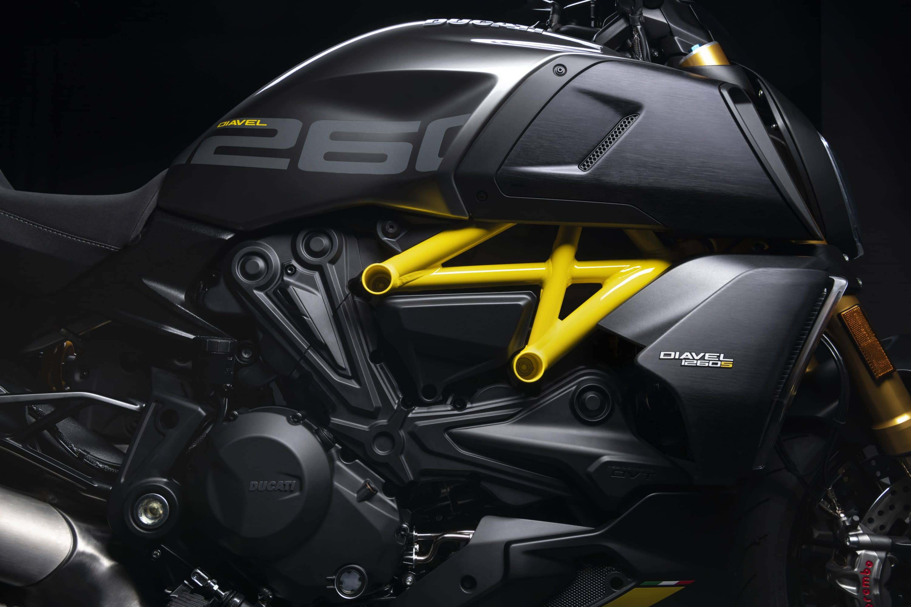 Diavel 1260 S Black and Steel
